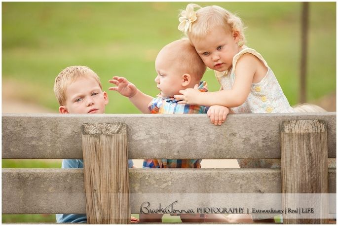 Deer Park Family Portraits - Ladd Family - Cleveland Family Photographer_0026.jpg