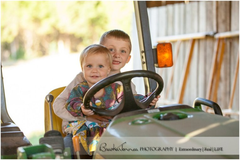 Fall Family Lifestyle Session - Church Family - Whitwell, TN Photographer_0007.jpg