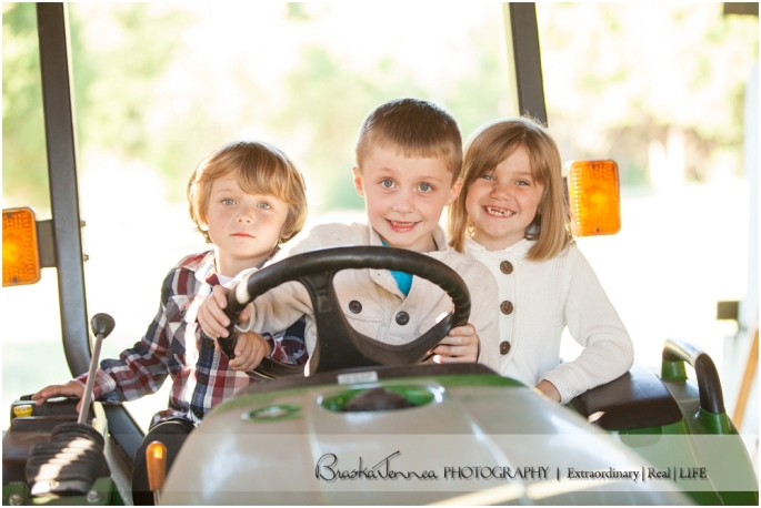Fall Family Lifestyle Session - Conner Family - Whitwell, TN Photographer_0006.jpg