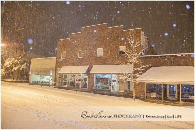 Snowy Portrait - Downtown Athens, TN - BraskaJennea Photography_0032.jpg