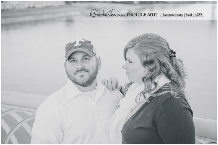 Chattanooga Photographer,Chickamauga Battlefield Engagement,Downtown Chattanooga Engagement,Engagement pictures in Chattanooga,Fall Engagement,Walnut Street Bridge,