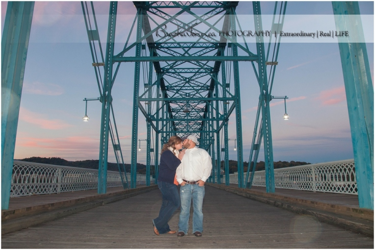 Chattanooga Photographer,Chickamauga Battlefield Engagement,Downtown Chattanooga Engagement,Engagement pictures in Chattanooga,Fall Engagement,Walnut Street Bridge,
