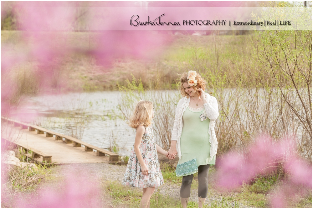 Jenny-Maddy-Mommy-Me-Spring-Session-BraskaJennea-Photography_0011.jpg