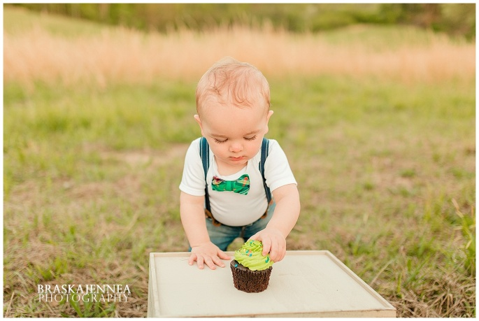 A First Birthday Cake Smash with a Splish Splash - Charleston Family Photographer - BraskaJennea Photography_0023.jpg
