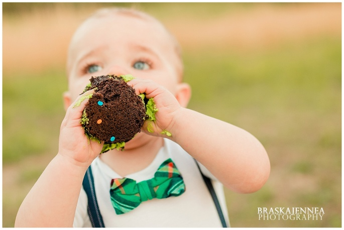 A First Birthday Cake Smash with a Splish Splash - Charleston Family Photographer - BraskaJennea Photography_0031.jpg